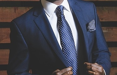 士業のスーツ姿
